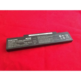 Pin laptop Samsung R720 NP-R720