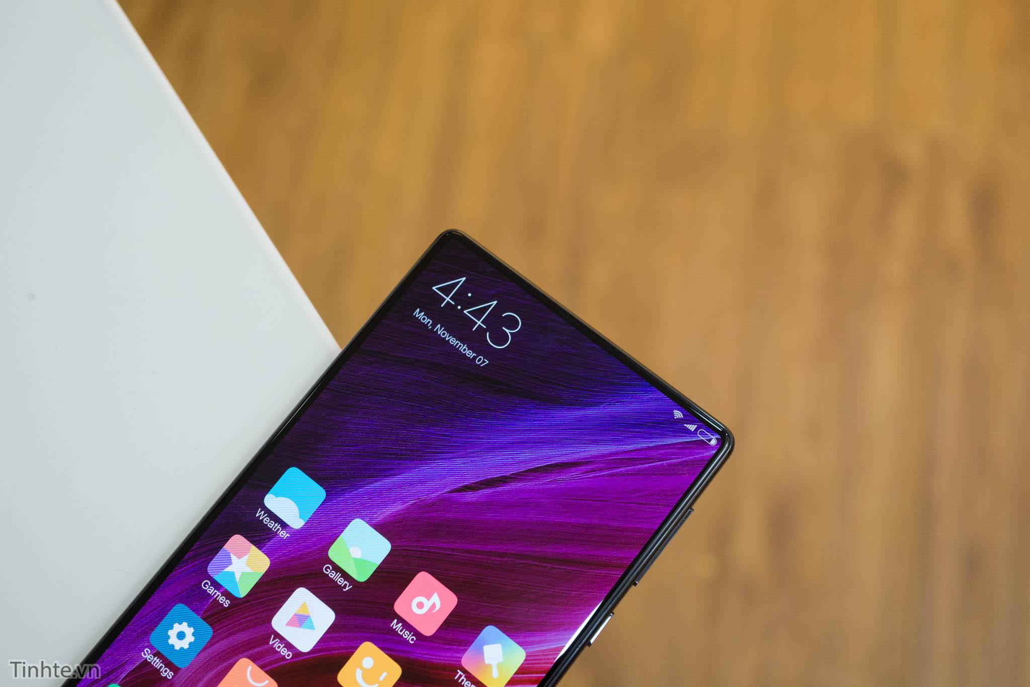 Trên tay Xiaomi Mi Mix: gốm, màn hình không viền, thiết kế tuyệt vời